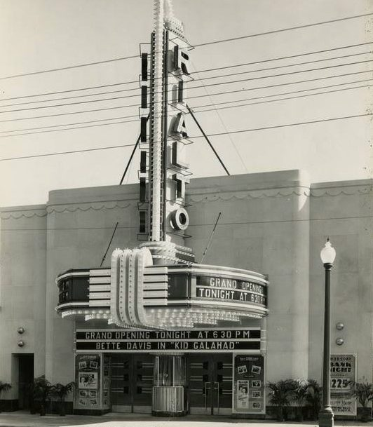 Exterior of the Rialto Theater in Grand Rapids